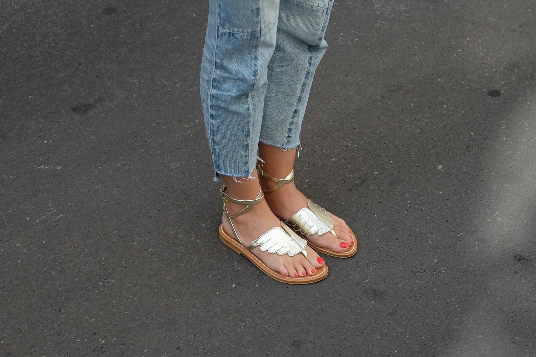 sandales dorées ailes