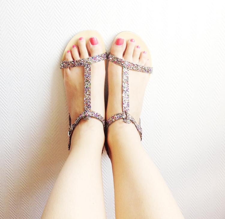Les sandales à paillettes
