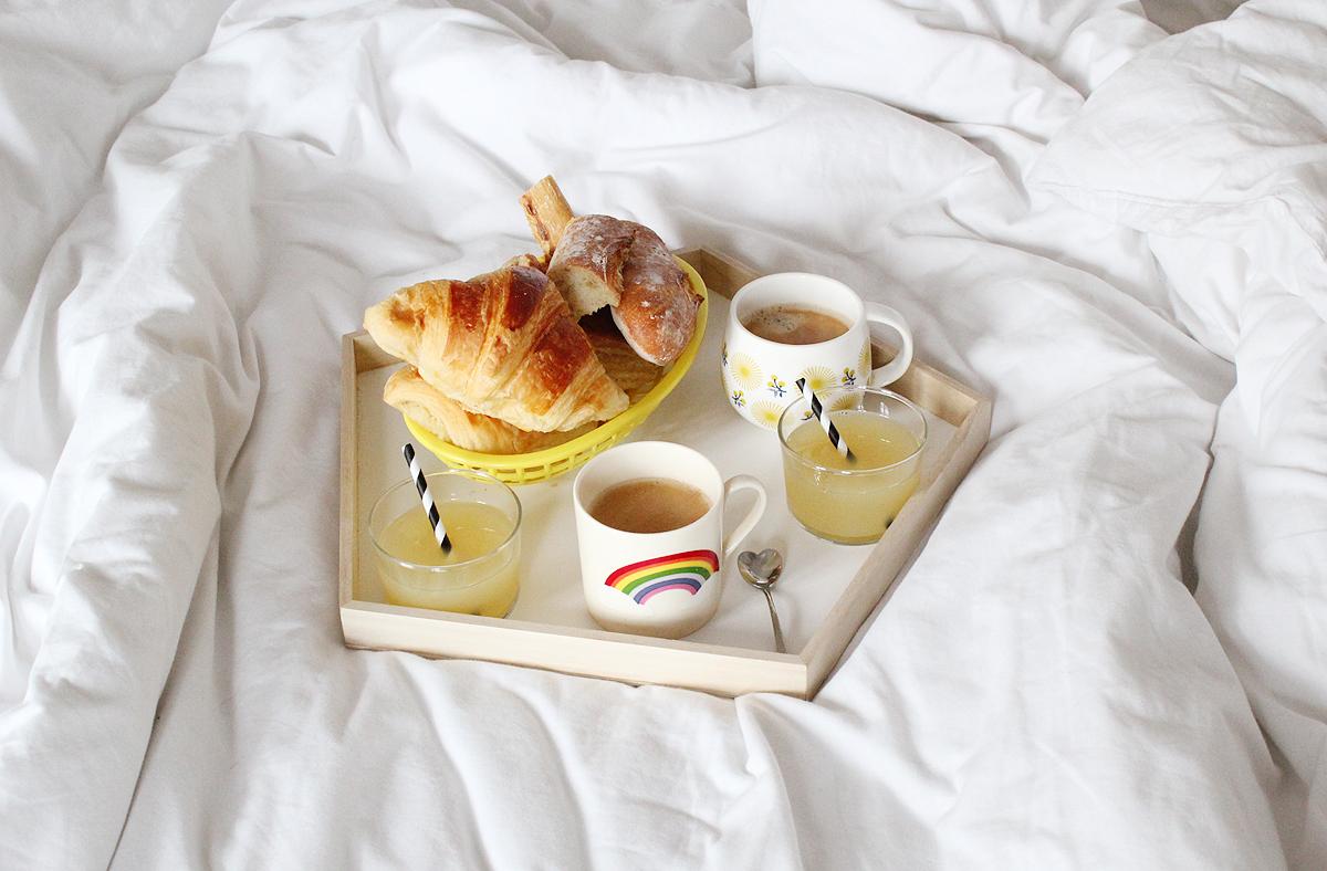 la livraison de croissants et pain frais existe. Black Bedroom Furniture Sets. Home Design Ideas